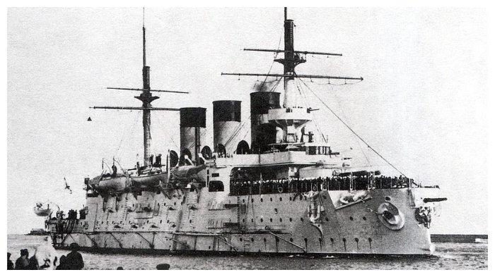 Kapal tempur Rusia, Oslyabya, yang menjadi kapal karam pertama di Pertempuran Tsushima