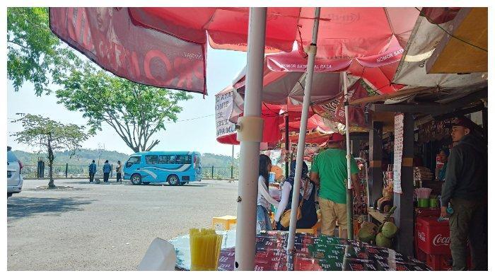 Kawasan Kuliner atau kantin di Goa Kreo Semarang