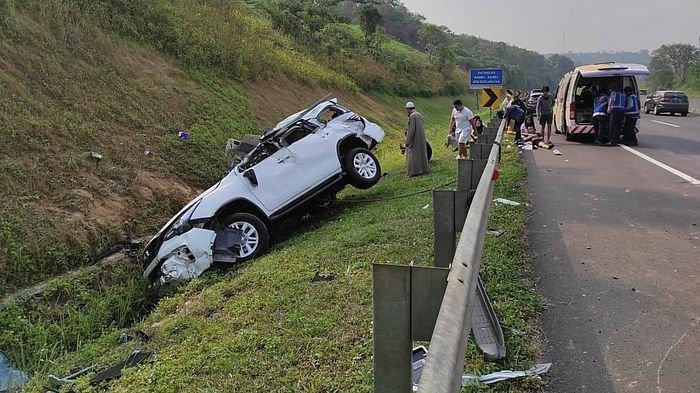 kecelakaan-tunggal-di-tol-cipularang.jpg