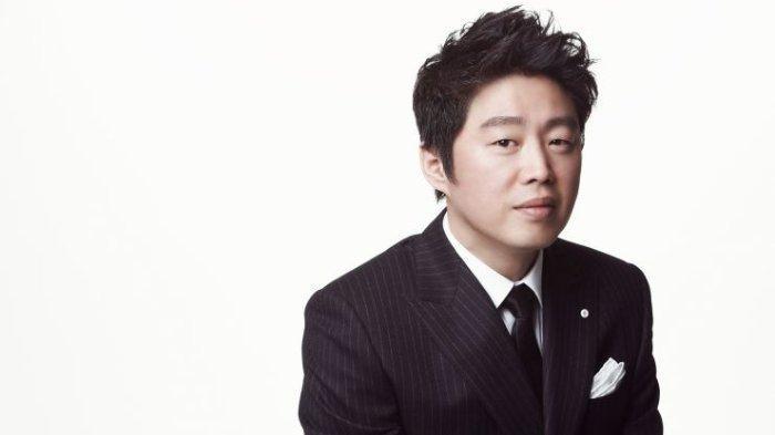 kim-hee-won.jpg