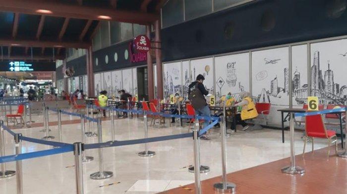 ILUSTRASI Pembukaan Penerbangan - Kondisi sepi di posko pemeriksaan dokumen perjalanan yang terletak di Terminal 2 Bandara Internasional Soekarno-Hatta, Kamis siang (14/5/2020).(Angkasa Pura II)