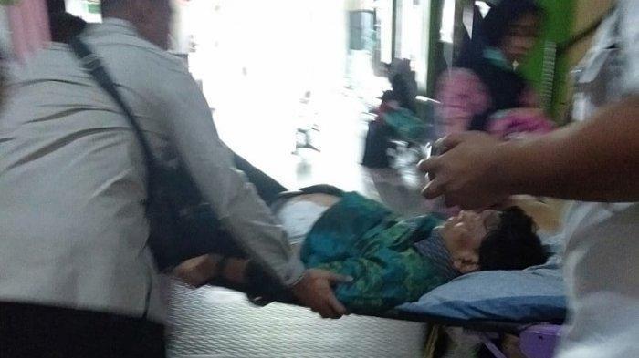 Kondisi Wiranto saat dibawa ke RSUD Berkah Pandeglang (Istimewa)