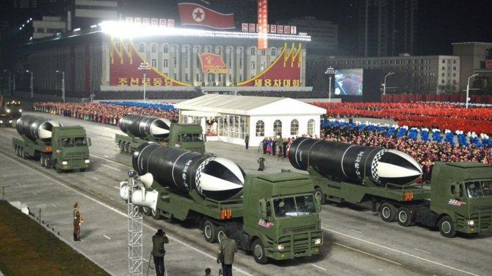 korea-utara-kenalkan-rudal-baru.jpg