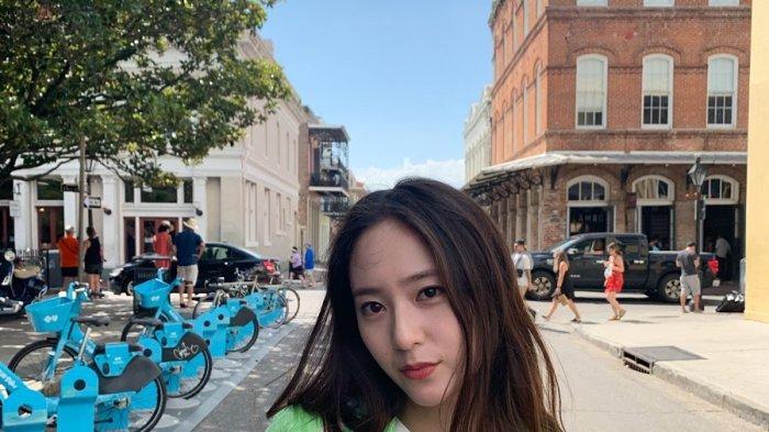 Krystal Jung adalah seorang aktris dan penyanyi asal Korea Selatan.