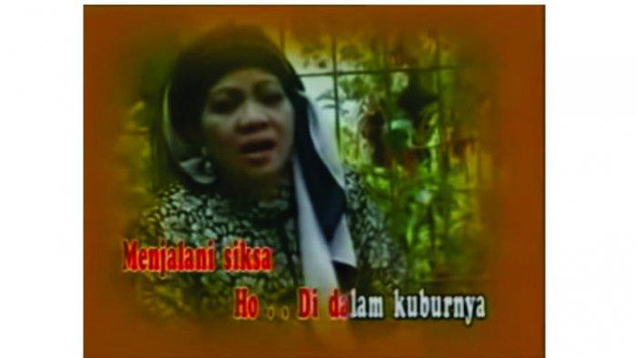 Lagu Siksa Kubur dari Ida Laila yang diciptakan oleh Achmadi, dinyanyikan ulang oleh Rita Sugiarto.