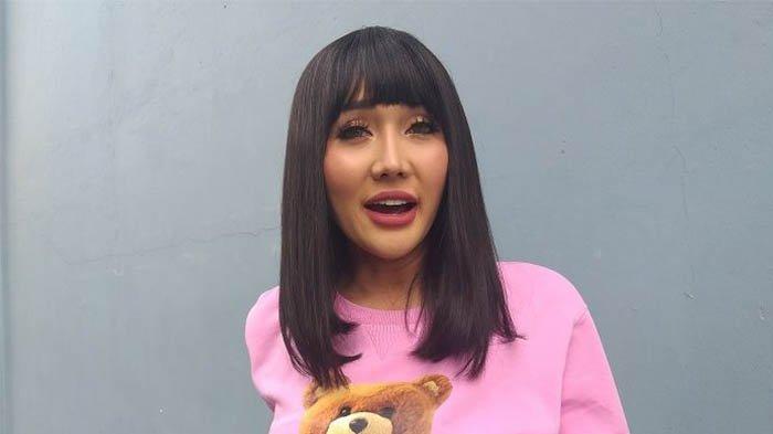 Lucinta Luna menjelaskan bahwa dirinya baru saja mengalami pelecehan seksual.