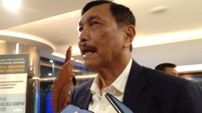 Menko Kemaritiman dan Investasi, Luhut B. Pandjaitan memberikan keterangan pers di Kantor Kemaritiman dan Investasi, Jakarta, Senin (9/3/2020)