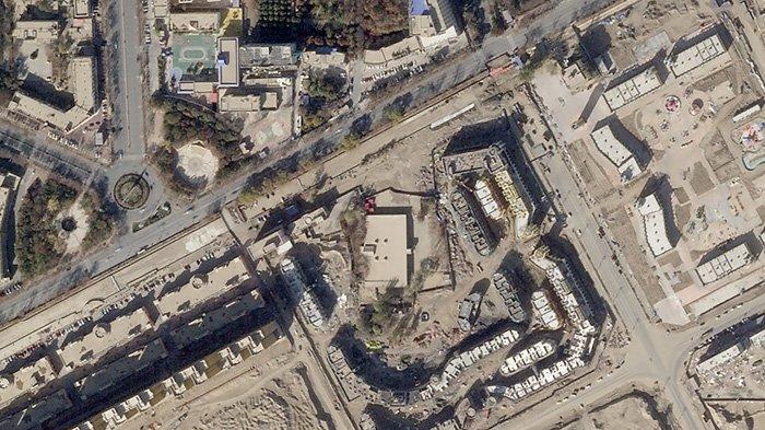 Masjid Keriya Aitika pada November 2018. Gerbang dan kubahnya telah dihilangkan, bagian dari penghancuran masjid di Xinjiang oleh otoritas China.