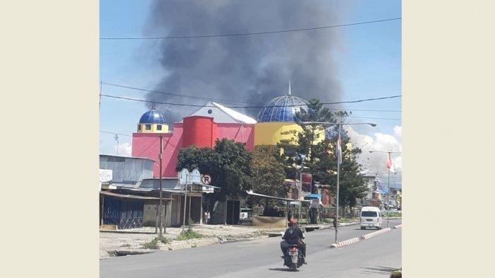 massa-menggelar-aksi-unjuk-rasa-di-wamena-ibukota-kabupaten-jayawijaya.jpg