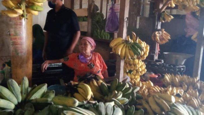 mbah-tris-korban-pencurian-pisang-di-pasar-argosari-wonosariist.jpg