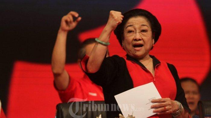 Ketua Umum PDI Perjuangan Megawati Soekarnoputri menyampaikan pidato penutupan Rakernas I PDI-Perjuangan di PRJ Kemayoran, Jakarta Jakarta Pusat, Selasa (12/1/2016).