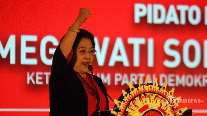 Ketua Umum PDIP Megawati Soekarnopurtri saat menyampaikan pidato politiknya dalam pembukaan Kongres ke-V PDI Perjuangan di Bali, Kamis (8/8/2019).