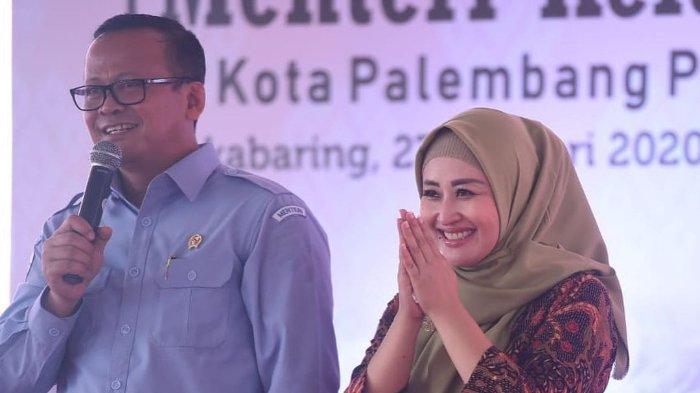 Menteri Kelautan dan Perikanan Edhy Prabowo dan sang istri, Iis Rosita Dewi