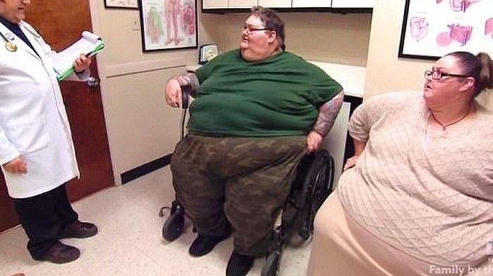 Meski sudah 11 tahun menikah, pasangan ini tak bisa berhubungan intim karena obesitas, akhirnya lakukan ini.