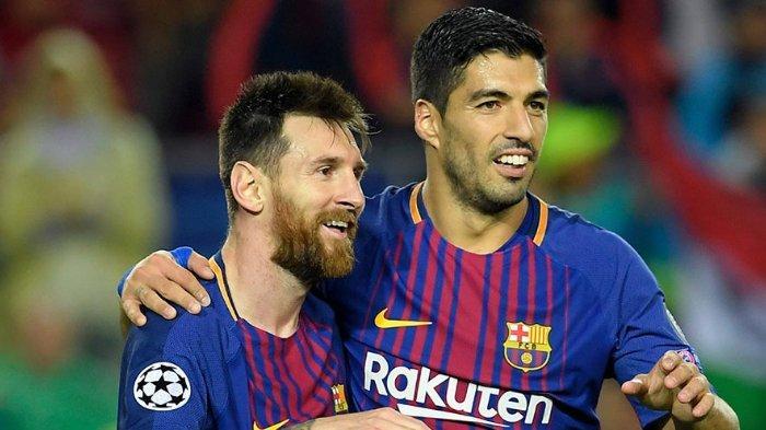 Duet penyerang Barcelona, Lionel Messi dan Luis Suarez yang akrab di dalam dan luar lapangan.