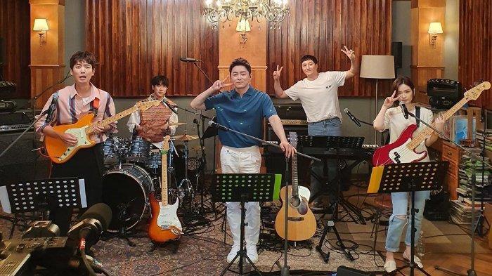 Mido and Falasol debut live setelah penayangan episode spesial Hospital Playlist