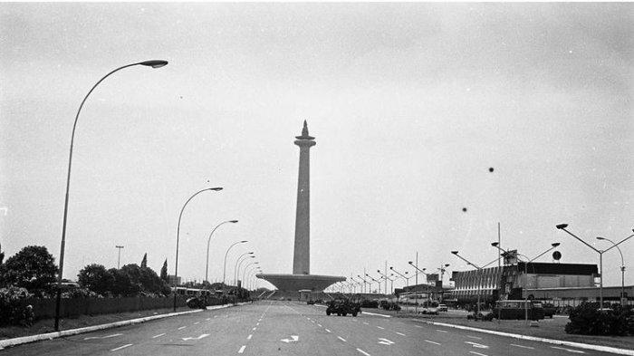 Monumen Nasional (monas) pada tahun 1974.