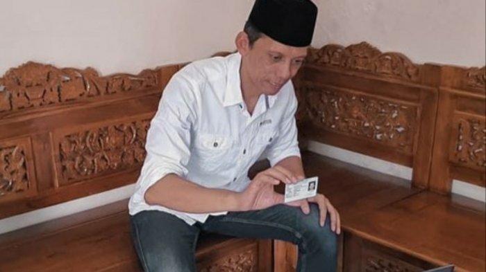 Bakal calon wakil bupati Klaten, Muhammad Fajri, saat mengikuti proses pendaftaran Pilkada Klaten 2020 secara virtual, Sabtu (5/9/2020). Muhammad Fajri harus mendaftar secara daring karena dia terinfeksi virus corona.