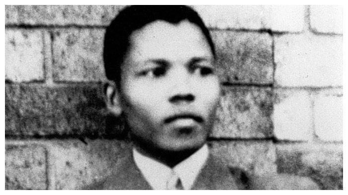Nelson Mandela pada 1937