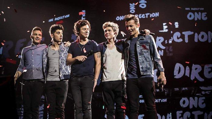 One Direction merupakan boyband asal Inggris yang terbentuk melalui ajang pencarian bakat X-Factor musim ketujuh.