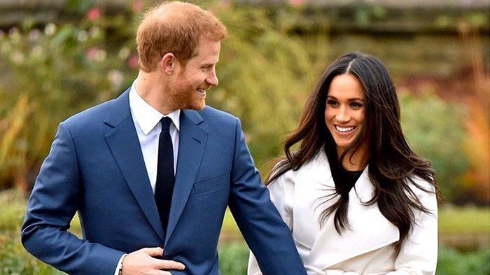 Pangeran Harry dan Meghan Markle resmi mundur dari anggota kerajaan Inggris.