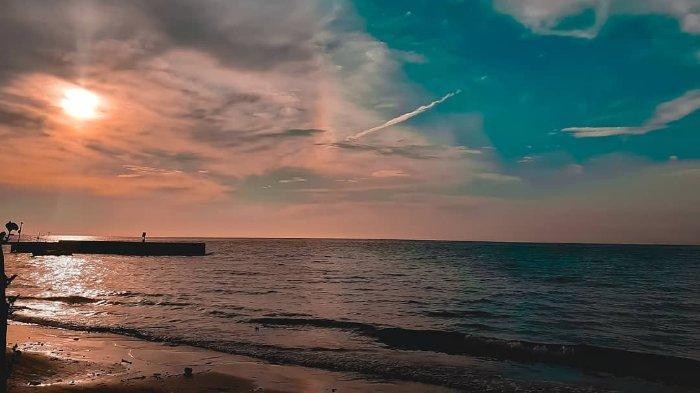 pantai-teluk-awur.jpg
