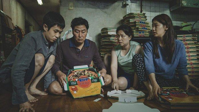 Potret keluarga Kim Ki Taek yang miskin (IMDB)