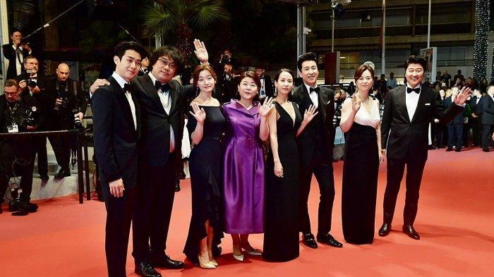 Para pemain Parasite saat menghadiri Festival Film Cannes
