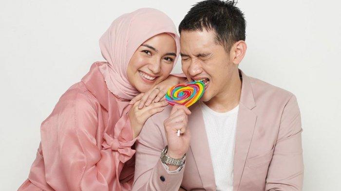 Pasangan selebriti Citra Kirana dan Rezky Aditya.