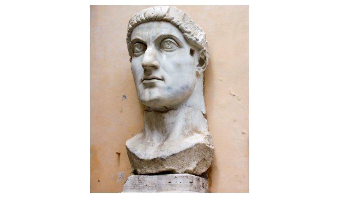 Patung kepala Konstantin Agung