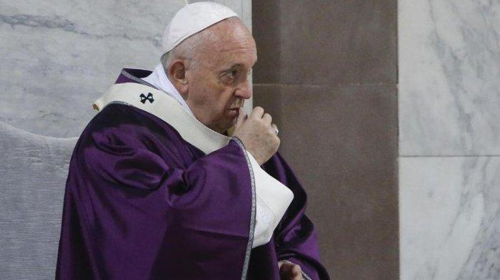 Paus Fransiskus menghadiri Rabu Abu di Basilika Saint Sabina, Roma, Rabu (26/2/2020)