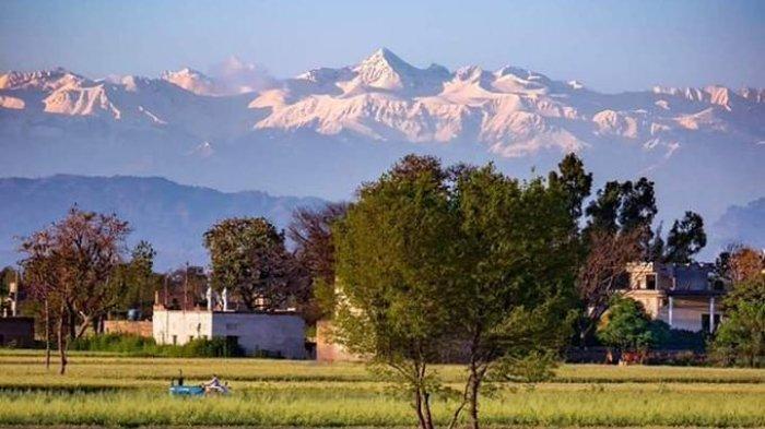 pegunungan-himalaya-kembali-terlihat-dari-india-bagian-utara.jpg