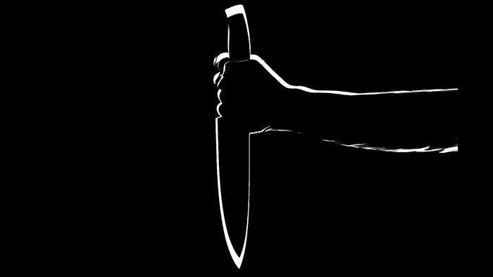 Ilustrasi pembunuhan menggunakan senjata tajam.