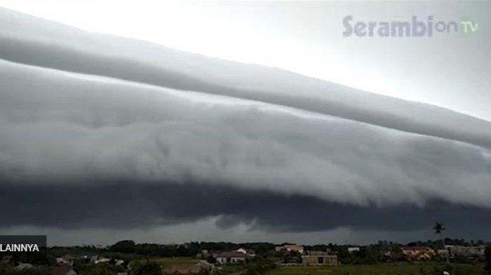 penampakan-awan-berbentuk-gelombang-laut-di-aceh.jpg