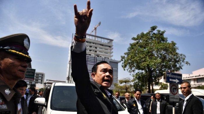 PM Thailand mengunjungi rumah sakit yang merawat pasien terluka akibat penembakan di mall Thailand