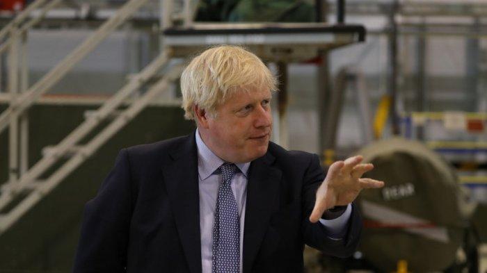 perdana-menteri-inggris-boris-johnson-berbicara-kepada-staf-di-raf-lossiemouth.jpg