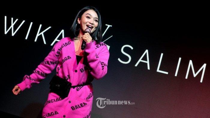 Vakum tiga tahun merilis karya musik, kini Wika Salim (WS) kembali hadir dengan single terbarunya genre pop berjudul 'Penyesalan', yang bercerita tentang penghianatan cinta, ciptaan Didit Tiganama dan di Produksi oleh WS dan eL Hotel International, Rabu (12/2/2020) di Hard Rock Cafe, Jakarta.TRIBUNNEWS.COM/FX ISMANTO