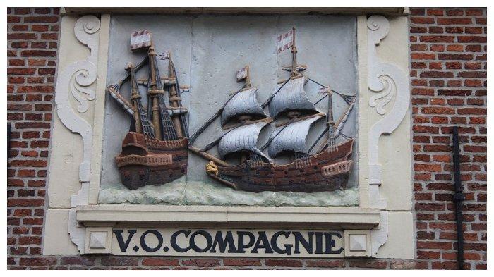 Plak VOC yang ada di Kota Hoorn