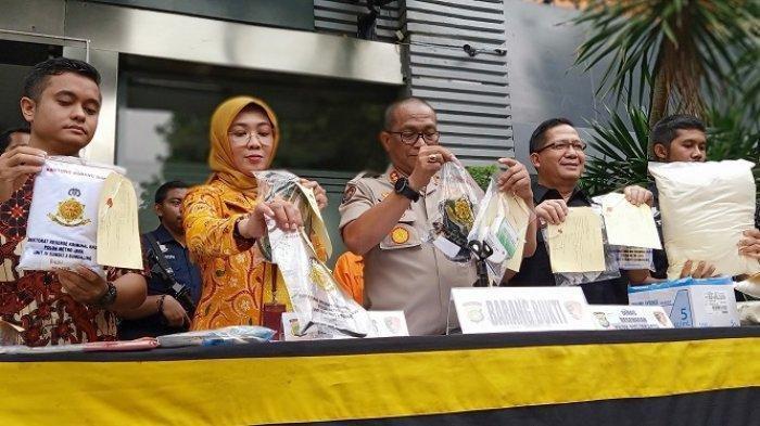 Polda Metro Jaya merilis pengungkapan kasus praktik kedokteran ilegal, Kamis (23/1/2020)