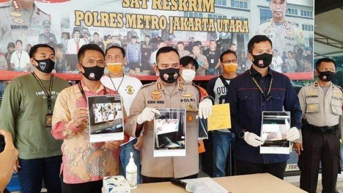 Polres Metro Jakarta Utara menetapkan status tersangka bagi DD terkait video viral karyawan Starbucks yang intip payudara pelanggan lewat rekaman kamera CCTV.