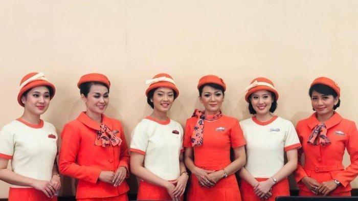 Ilustrasi pramugari Garuda Indonesia saat Vintage Flight Experience