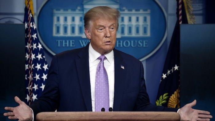 Presiden AS Donald Trump menjawab pertanyaan saat konferensi pers di Brady Briefing Room Gedung Putih di Washington, DC, pada 5 Agustus 2020.