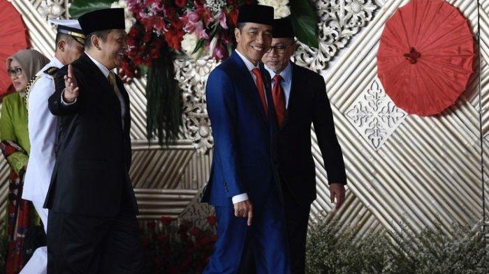 presiden-joko-widodo-kedua-kanan-berjalan-bersama-ketua-dpr-bambang-soesatyo.jpg