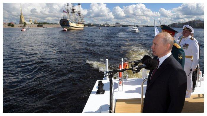 presiden-rusia-berjas-hitam.jpg