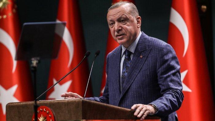 Presiden Turki Recep Tayyip Erdogan berbicara selama konferensi pers setelah Pertemuan Kabinet di Kompleks Presiden di Ankara pada 29 Juni 2020.
