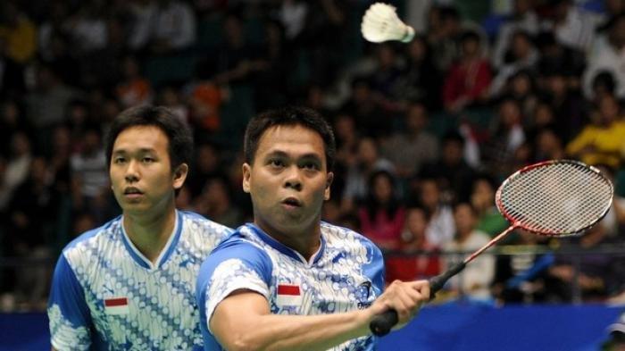 Markis Kido (kanan), mantan pebulutangkis nasional ganda putra yang pernah mendapat medali emas di Olimpiade Beijing tahun 2008.