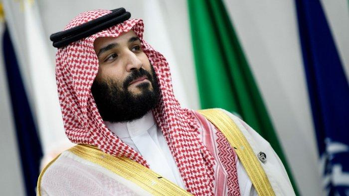 FOTO: Foto diambil pada 28 Juni 2019, Putra Mahkota Arab Saudi Mohammed bin Salman menghadiri pertemuan pada KTT G20 di Osaka.