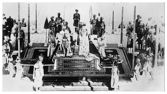 Raja George V dan permaisurinya ketika di Delhi 1911