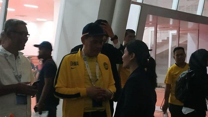 Sekjen PSSI, Ratu Tisha Destria, sedang berbincang usai laga antara timnas Indonesia dan timnas Malaysia dalam Kualifikasi Piala Dunia 2022 Zona Asia di Stadion Utama Gelora Bung Karno, Kamis (5/9/2019).