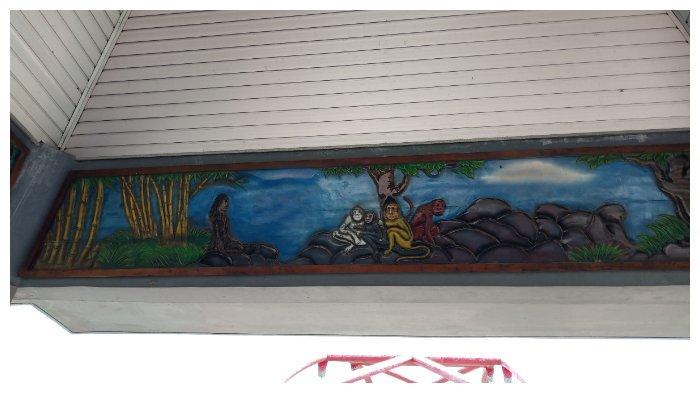 Relief di kawasan Goa Kreo Semarang